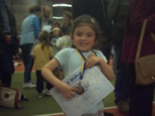 haar eerste ervaringen met tennisparticipatie...
